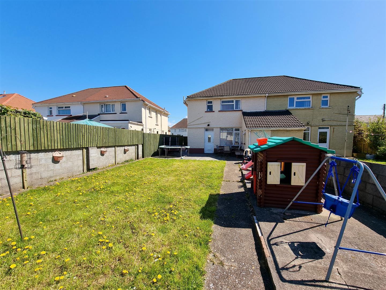 Brynawel Road, Gorseinon, Swansea, SA4 4UX